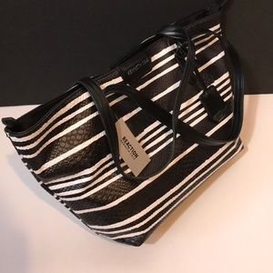 ✨HOST PICK Kenneth Cole  NWT bag black,white Tote
